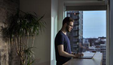 Man apartment finding in Denver, CO | Vita Locators