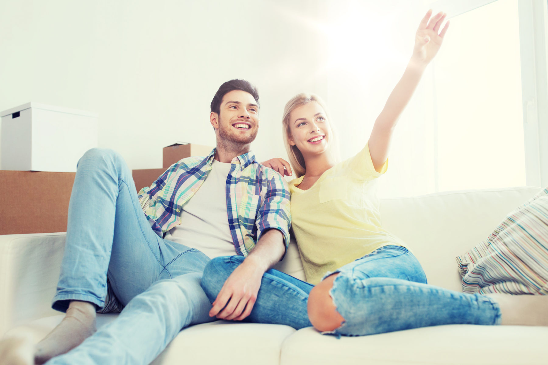 couple moving - finding an apartment can be easy- affordable | vita locators